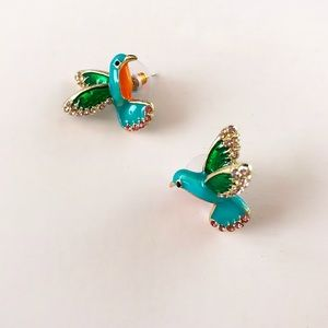 Jewelry - Lovely hummingbird Vintage Style Stud Earrings